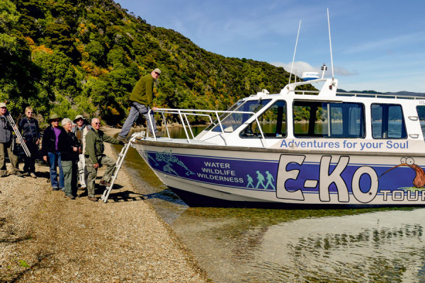 E ko Tours boat landing in the Sounds